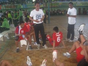 coach-tim-bola-voli-remaja-kab-sidoarjo-2011